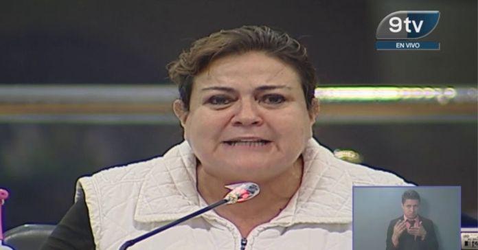 Margarita asegura que sufre violencia de género porque le exigen regresar $420,000 de sobresueldos
