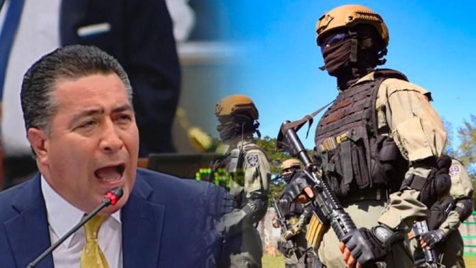 Portillo Cuadra se siente agredido por una foto de la Fuerza Armada, debido a la broma que les jugó el presidente Nayib Bukele