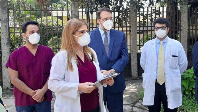 Candidata a diputada de ARENA presenta demanda contra ANDA y Obras Públicas por no resolver problemas que su partido y el FMLN dejaron al pueblo