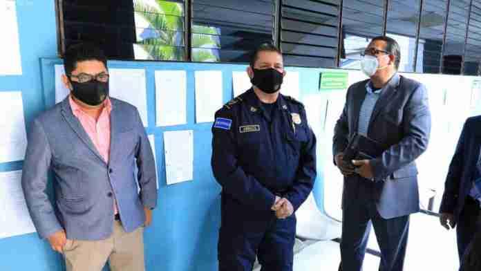 Magistrados de la Sala aceptan demanda de abogada del FMLN en contra del Director de la PNC