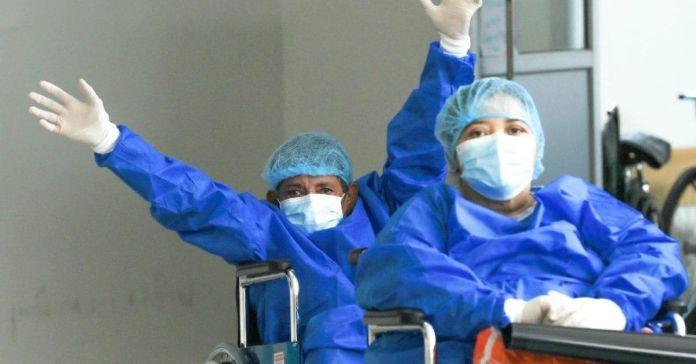 Se reportan bajas en pacientes en estado critico por COVID-19 en El Salvador