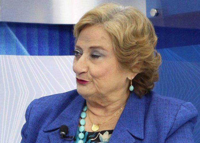 Milena de Escalón confiesa que ARENA hace descuentos extras a trabajadores de su alcaldía para financiar a su partido