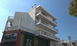 Επισκευή στηθαίων κτιρίου στην Αργυρούπολη