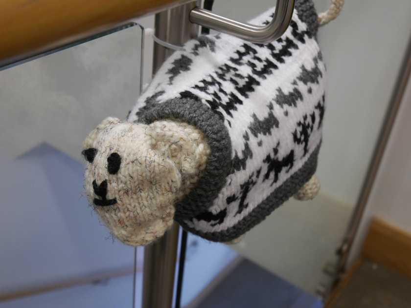 Unravel sheep decoration