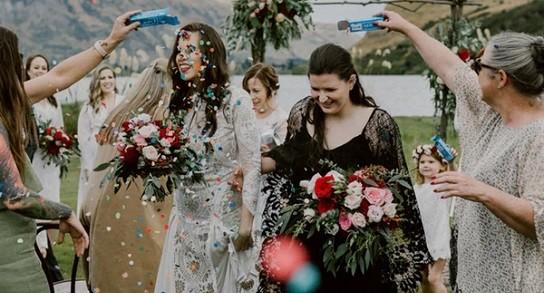 Lanzan la primera revista de bodas para lesbianas