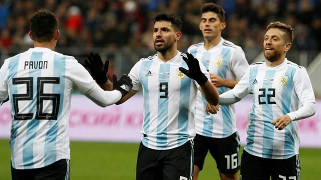 Argentina le ganó  1 a 0 a Rusia en el estadio donde se jugará la final del Mundial