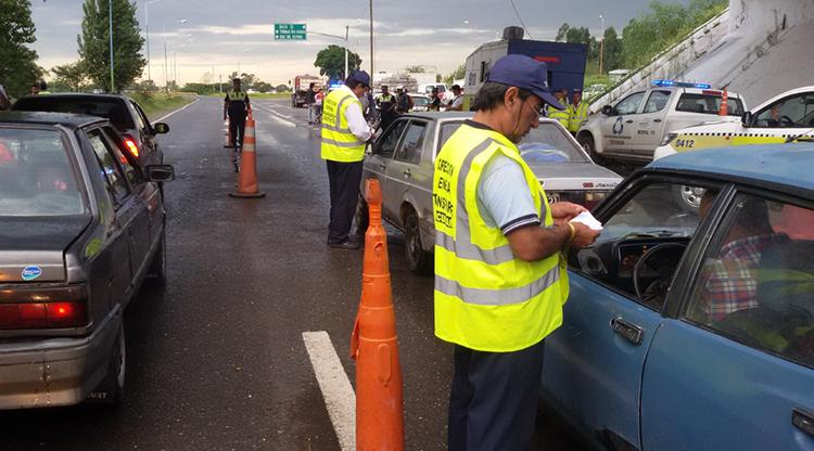""""""" EL TRIANGULO DEL TUCUMAN """": A un cordobés le secuestraron el auto en Tucumán, quiso pagar la multa y ahora le dijeron que """"está desaparecido"""""""