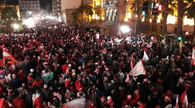 Miles de hinchas de San Martín coparon la plaza Independencia para festejar el ascenso(VIDEO)
