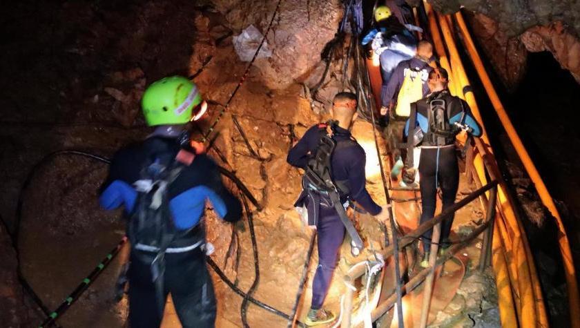 Fueron rescatados los primeros seis niños atrapados en Tailandia