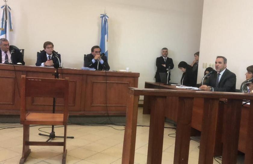 """"""" NOMBRAMIENTOS A DEDO """" : Pedicone apartó a una auxiliar fiscal y un acusado de abusar de su hija quedó libre"""