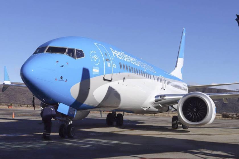 """"""" MANO DURA """" : Aerolíneas Argentinas suspendió a 376 empleados"""