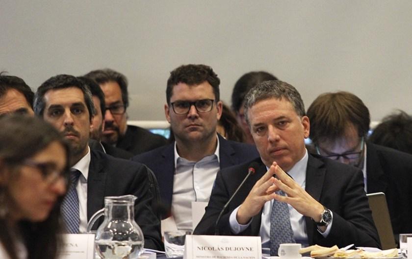 Por la caída del PBI al 5,8% en septiembre la economía Argentina  entró en recesión