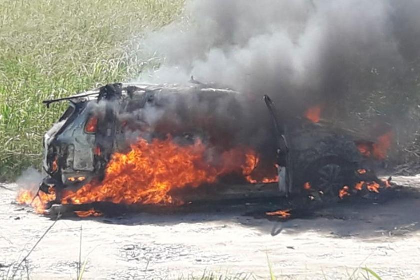 Tiroteo y un auto quemado en un sospechoso hecho que protagonizó la Policía de Concepción