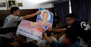 """"""" EVA SANTA DEL PUEBLO """" : La CGT le pidió al papa Francisco la beatificación de Eva Perón"""