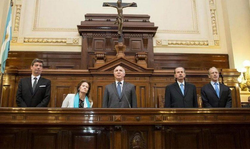 """""""Argentina se queda sin division de poderes"""": La Corte Suprema confirmó que el juicio contra Cristina Kirchner arranca el martes"""