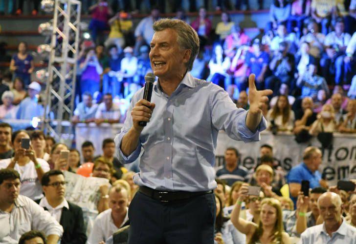 """"""" CADA VEZ MENOS DEMOCRACIA """" : El Gobierno redujo a la mitad el espacio para los spots de campaña"""