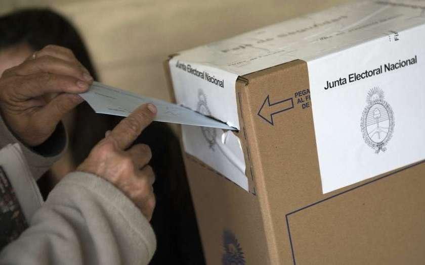 TUCUMAN: La inscripción de alianzas finalizó con un llamativo pase