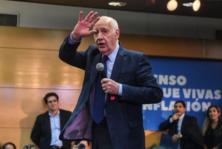 Lavagna quiere aumentar la Asignación Universal por Hijo con la renegociación de la deuda