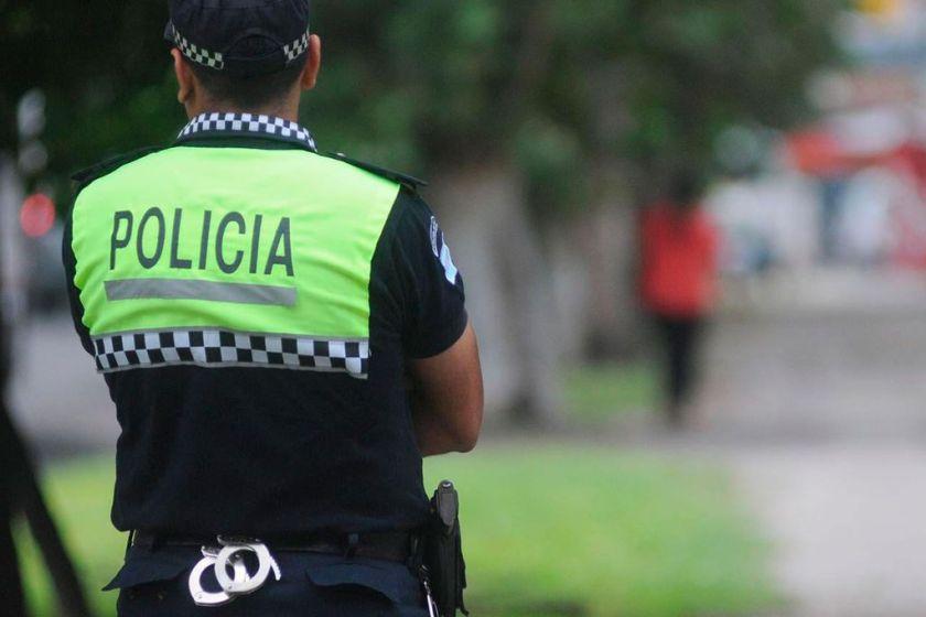 Detienen a dos policias coimeros