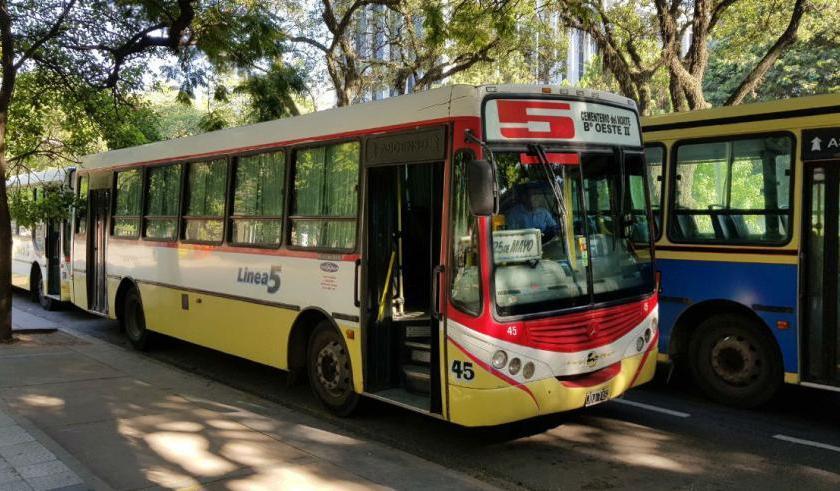 CRISIS DEL TRANSPORTE EN TUCUMAN: Advierten que las empresas de ómnibus están a horas de quedarse sin gasoil
