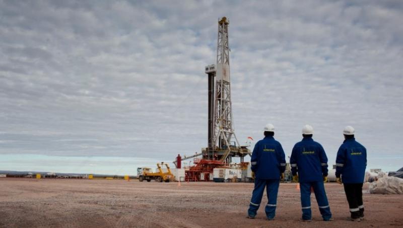 Vaca Muerta: Suspendieron a más de mil petroleros