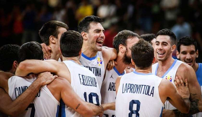 Argentina venció 97 a 87 a Serbia , quien era el gran candidato al título y se metió entre los cuatro mejores del Mundial de Básquet.