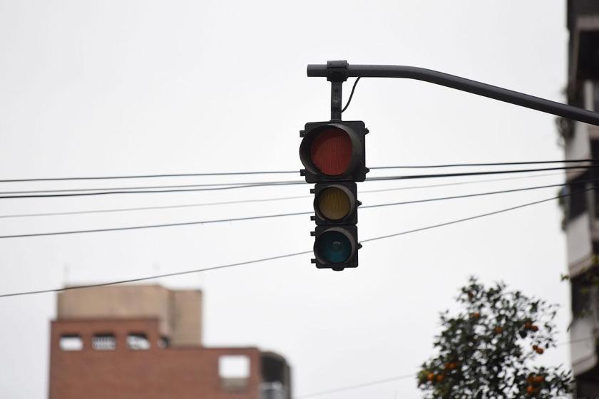 """"""" Segun EDET"""" : La quema de caña dejó sin luz a 180 mil usuarios de Capital y toda la provincia"""