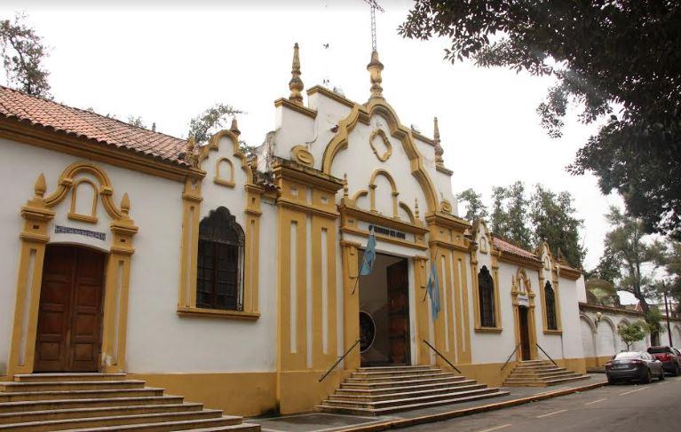 """Cementerios abrirán en horario corrido y habrá misas por el """"Día de los Fieles Difuntos"""""""