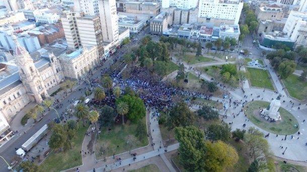 """Poca gente, acompaña las marchas macristas del """"Si, se puede"""""""