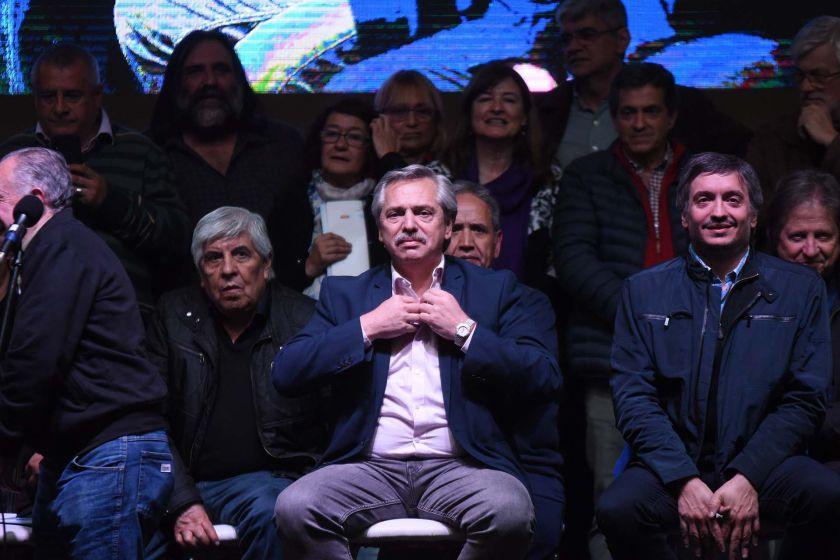Con la presencia de Alberto Fernández, la CTA aprobó iniciar la fusión con la CGT