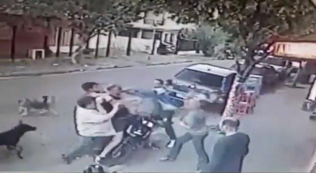 Intento robar un almacen y los vecinos le dieron una paliza (VIDEO)