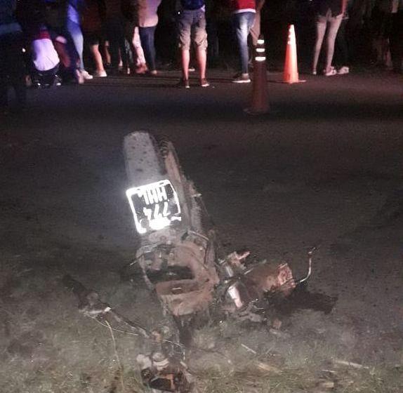RUTAS FATALES: Un motociclista falleció al chocar contra una camioneta en la ruta 302