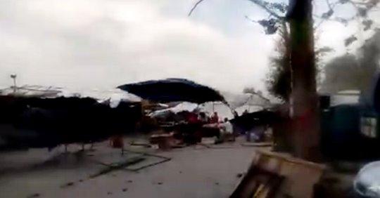 Fuertes vientos causaron destrozos en la Feria de Simoca(VIDEO)