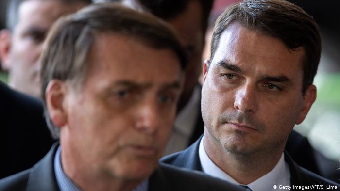 BRASIL: Una ola de allanamientos aterra a la familia Bolsonaro