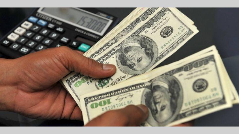 ECONOMIA: Hoy es el último día del dólar barato: qué se puede hacer para aprovecharlo a $63