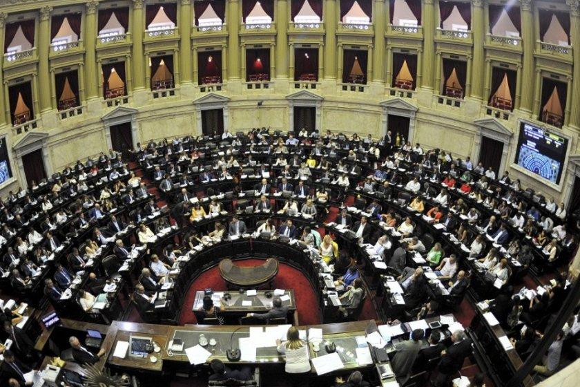 DEUDA: De forma casi unanime , con 224 votos a favor, el Gobierno consiguió media sanción en Diputados del proyecto sobre renegociación