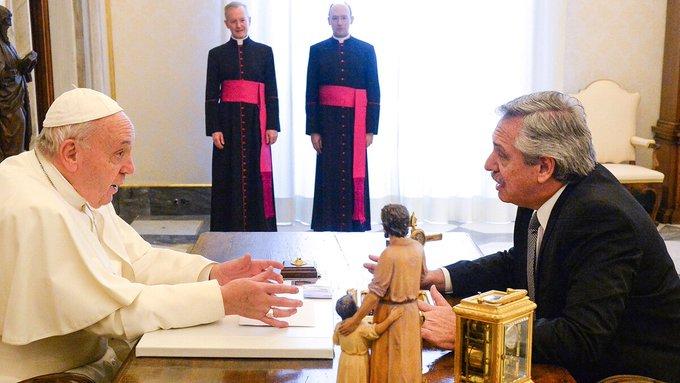 El presidente con el Papa: diálogo de 44 minutos y un mensaje de paz