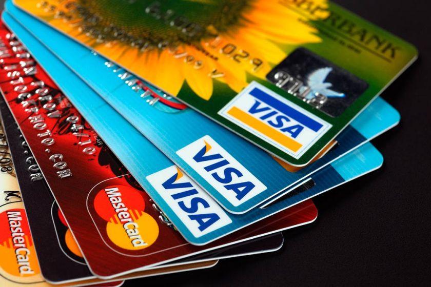 ALIVIO FINANCIERO PARA LAS FAMILIAS: El Banco Central dispuso un tope del 55% a la tasa de las tarjetas de crédito