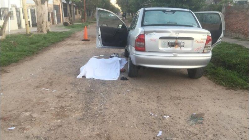 """ROSARIO """"bajo fuego"""": Lo acribillaron de 40 balazos dentro de su auto"""