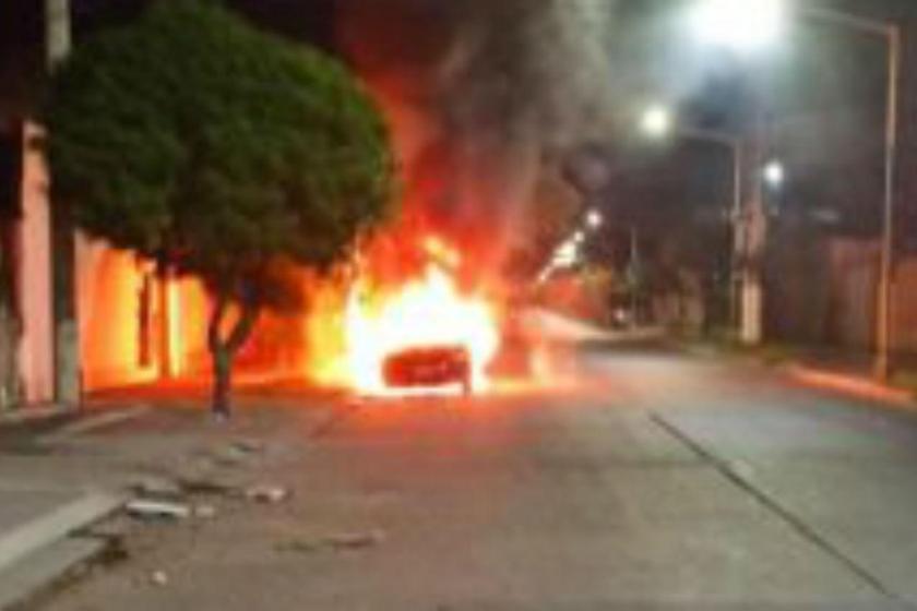 Ciudadela: Su vecino le incendió el auto  y lo descubrieron gracias a las cámaras de seguridad(VIDEOS)
