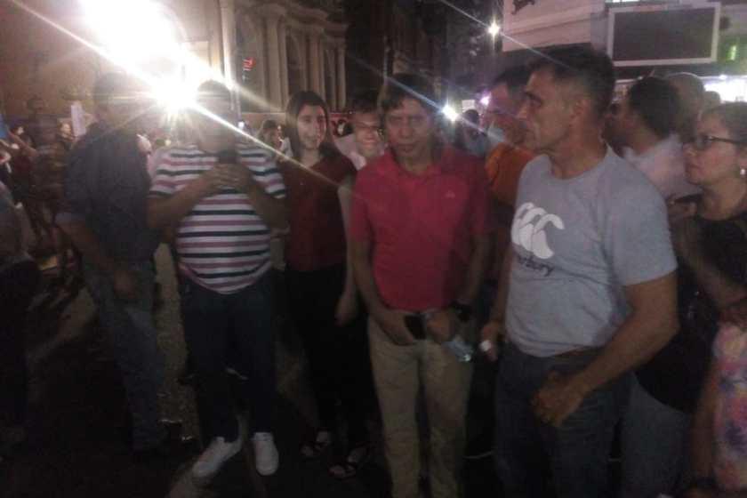 En la marcha por la seguridad en plaza Independencia también se hicieron presentes los legisladores Ricardo Bussi y Horacio Vermal de FR