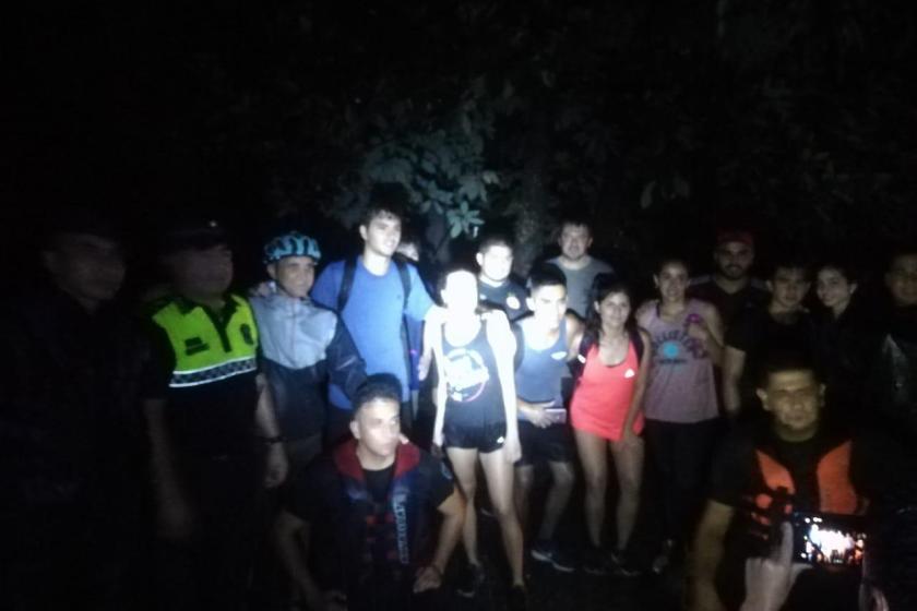 San Javier: Adolescentes debieron ser rescatados en el sendero del Funicular por las fuertes lluvias