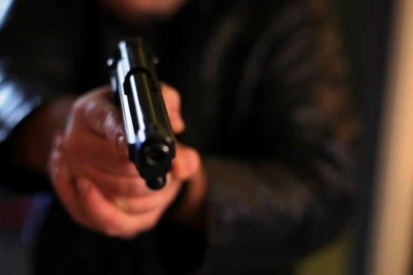Dos delincuentes armados robaron en el Correo Argentino en Lules