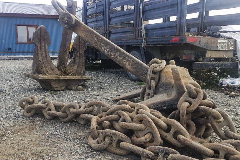 Aprovechando la CUARENTENA roban dos anclas de 1.600 kilos en Tierra del Fuego