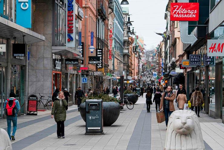 Coronavirus: Suecia paga caro su error y registró más de 100 muertos en un día