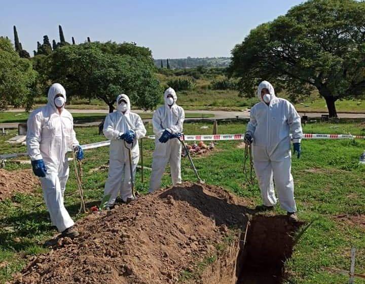 Córdoba se alista para el peor escenario y cava 450 tumbas