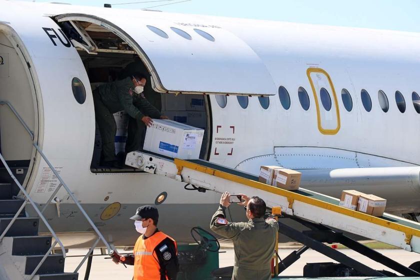 La nación envió por avión respiradores y ecógrafos a Tucumán