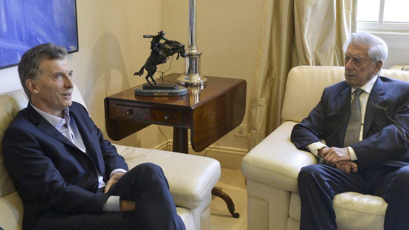 """"""" Alineados con BOLSONARO """" : Macri y Vargas Llosa firmaron un documento contra """"el autoritarismo"""" y cuestionaron al Gobierno de Alberto Fernández"""