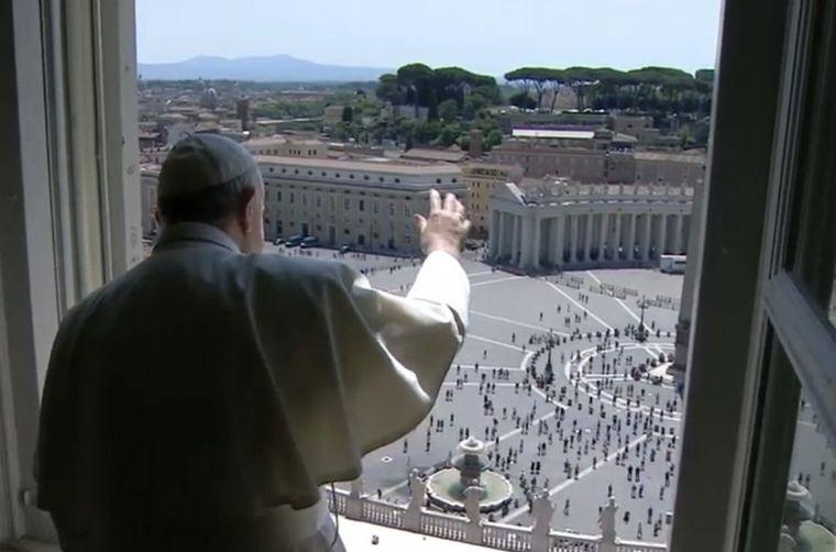 Fracisco celebró la misa con la vuelta de fieles al Vaticano
