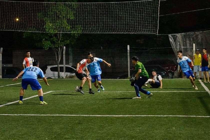 A partir del 29 de junio podrían habilitar a las canchas de fútbol 5 en Tucumán